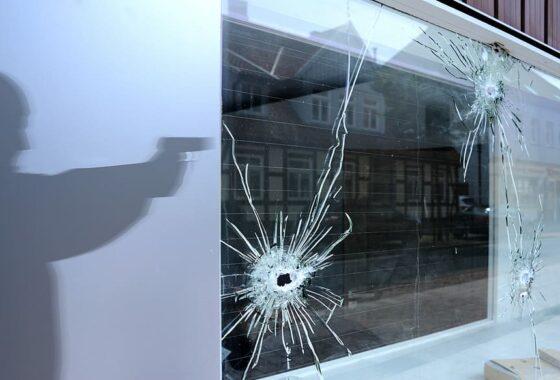burglar-shot-shoot-pistol