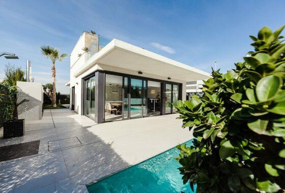 villa-home-pool-swimming-pool